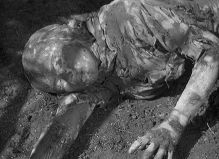 The Mummy's Curse - Dirt-Caked Victim