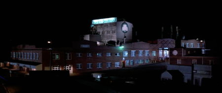 Halloween III Season of the Witch - Silver Shamrock Factory